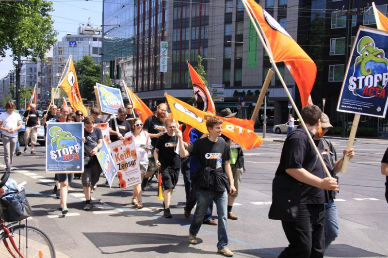 Demonstration der Piraten Düsseldorf gegen ACTA 2010